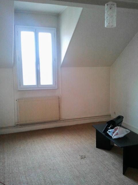 Un appartement 2 pièces complètement rénové et transformé en appartement haussmannien - A one bedroom flat makeover