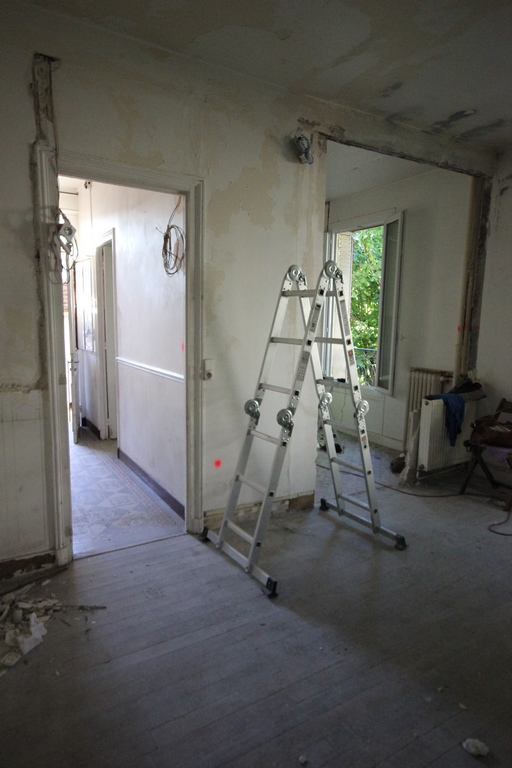 Renovate an old house - how to knock down a wall to create a big living space with kitchen and living room