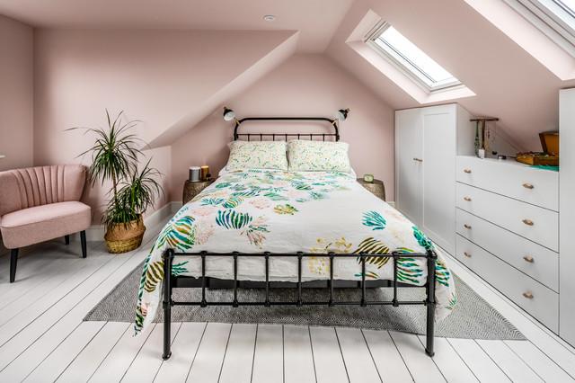 le rose nude peut aussi s'appliquer sur les murs et les plafonds, une idee originale d'utilisation en décoration intérieure
